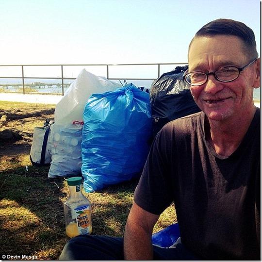 smiling-homeless
