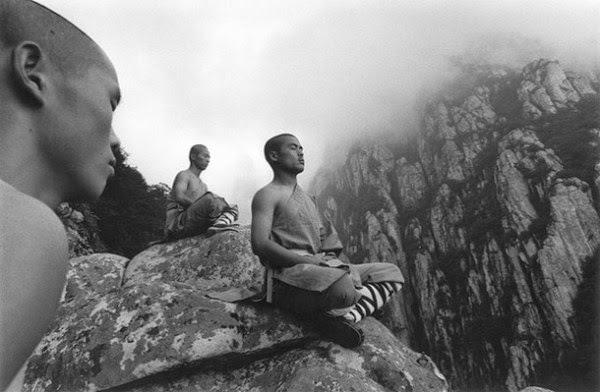 Stunning Images Of Shaolin Monks Training