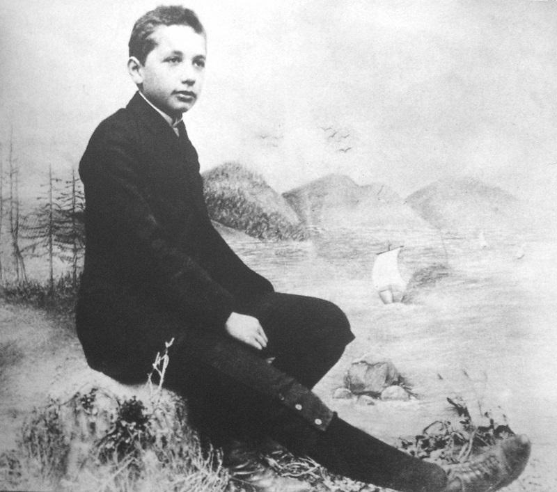 scientist-albert-einstein-rare-childhood-photos-1